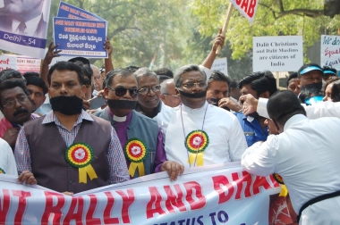 massive-protest-held-by-christians-muslims-in-delhi-for-dalit-equal-rights